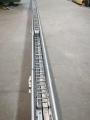 Metalowy prowadnik kablowy